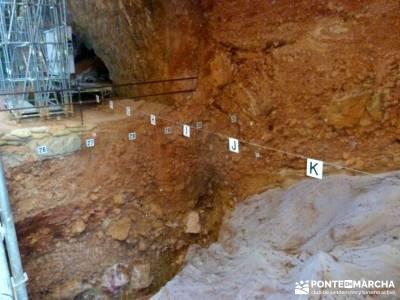 Yacimientos Atapuerca - Sierra de la Demanda; botas trekking pantalones de montaña